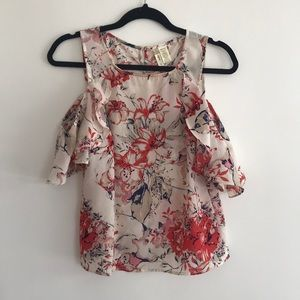 Cold shoulder top size small